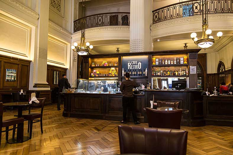 Café Retiro, terminal de la ligne Mitre cc wikipedia