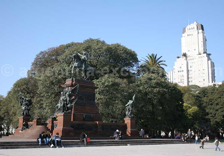 Place San Martin, quartier de Retiro