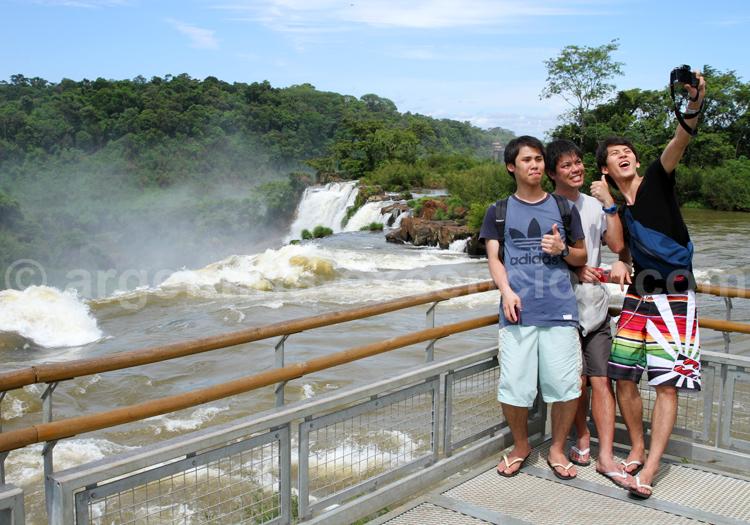 Point de vue sur les chutes d'Iguazú