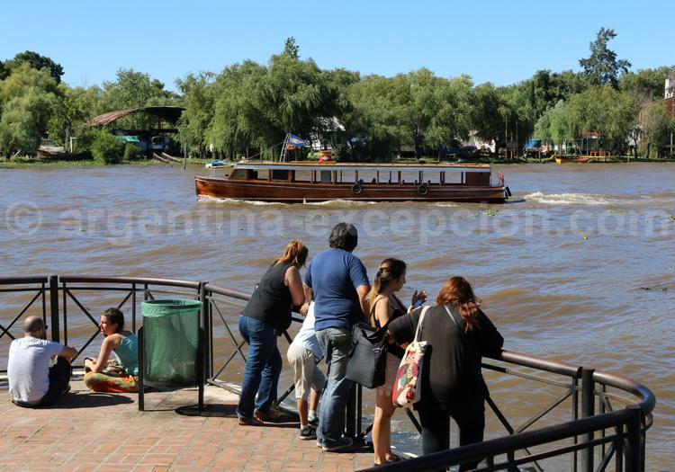 Navigation dans le delta du Parana