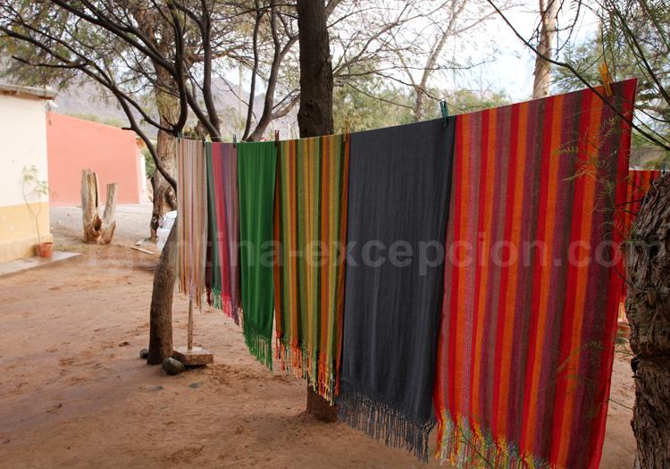 Fabrication de ponchos à Seclantas