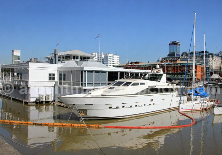 Yacht, Puerto Madero