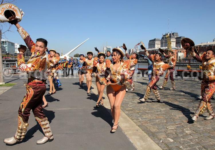 Représentation de danse bolivienne