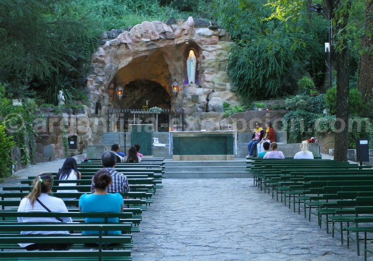 Vierge de Lourdes