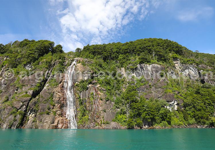 Cascade Yefe, lac Todos Los Santos