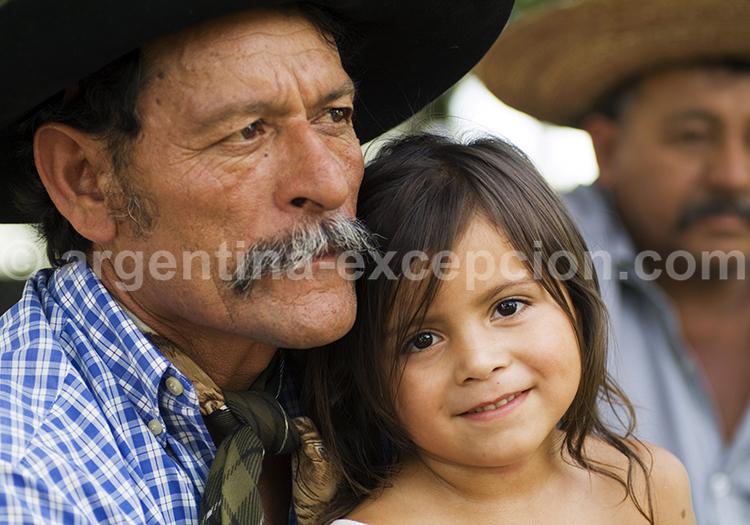 Portrait d'un grand père argentin et sa petite fille argentine, Corrientes, Argentine avec l'agence de voyage Argentina Excepción