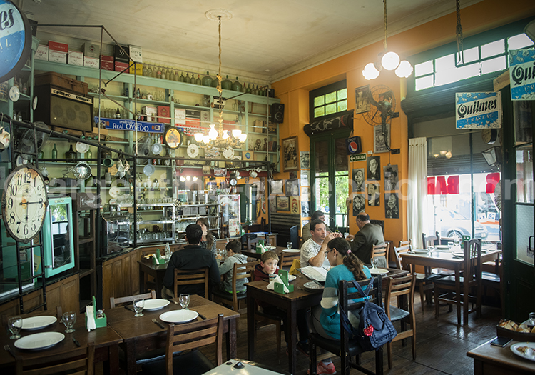 Bar Firpo à Tandil, province de Buenos Aires avec l'agence de voyage Argentina Excepción