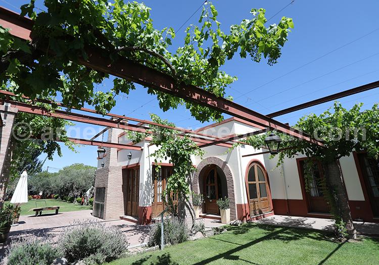 Visiter la bodega Altavista, Luján de Cuyo, Argentine avec l'agence de voyage Argentine Excepción