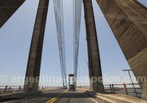 Pont reliant Corrientes et Resitencia