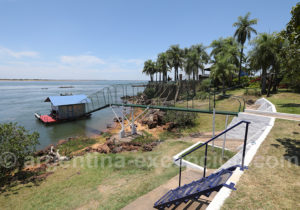 Embarcadère club de pêche, Paso de la Patria