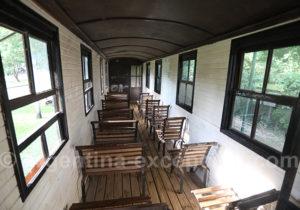 Intérieur d'un wagon musée ferroviaire de Santa Ana