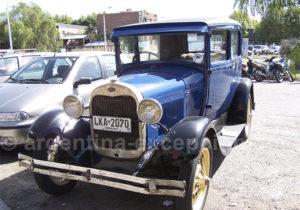 Vieille Ford à Colonia del Sacramento