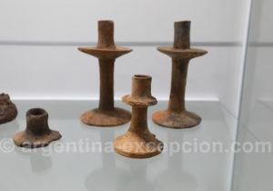 Bougeoirs en terre cuite de l'époque jésuite