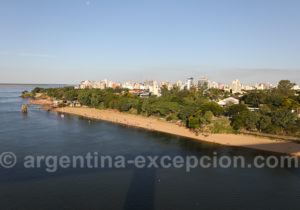 Ville de Corrientes depuis le pontdepuis le pont General Belgrano