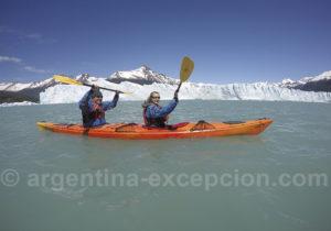 1 heure et demie en kayakk au pied du Perito Moreno