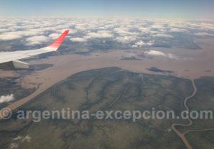 Survol du delta de Paraná