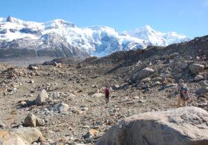 Marche dans une vallée glacière