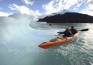 Kayak entre les glaces du lac Argentino
