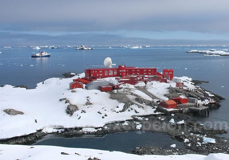 Base Bernard O Higgins, péninsule Antarctique