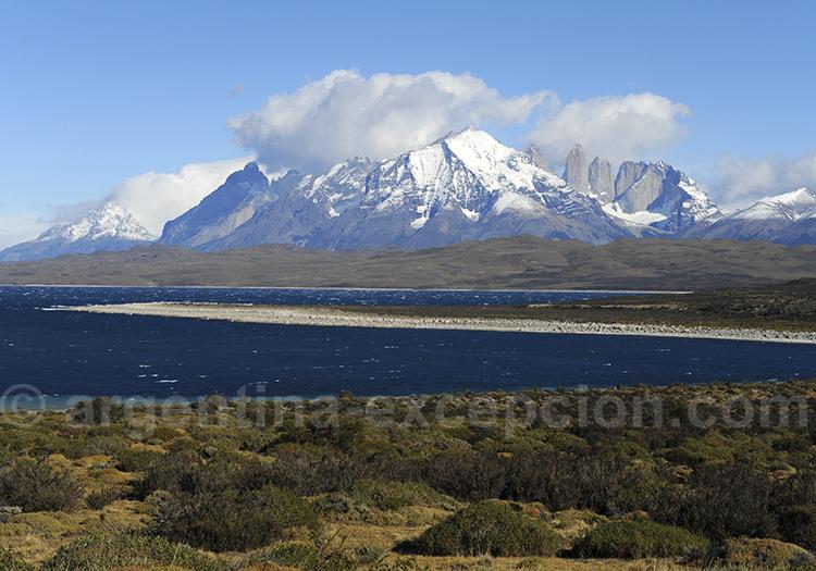Lacs et rivieres dans le Torres del Paine
