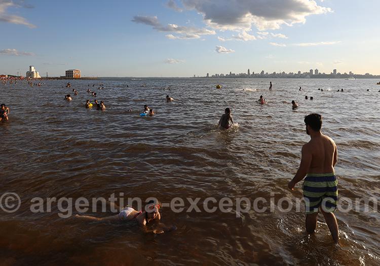 Posadas vu depuis Encarnacion, Paraguay