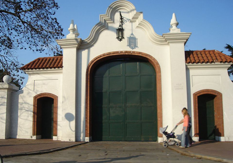 Quinta de Olivos, Vicente Lopez cc wikipedia