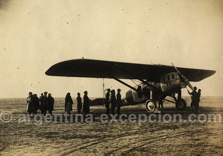 Rio Gallegos, preparation de l'avion pour le depart. Archive Gilbert Pellaton