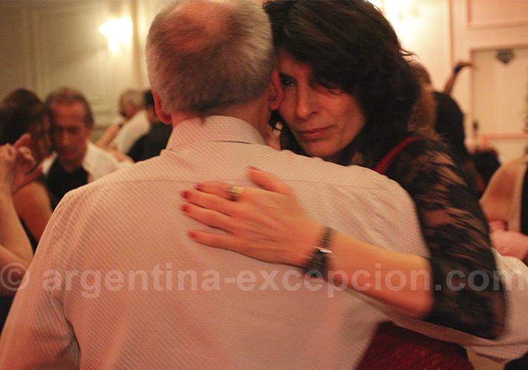 Danseurs de tango a la Milonga Independancia