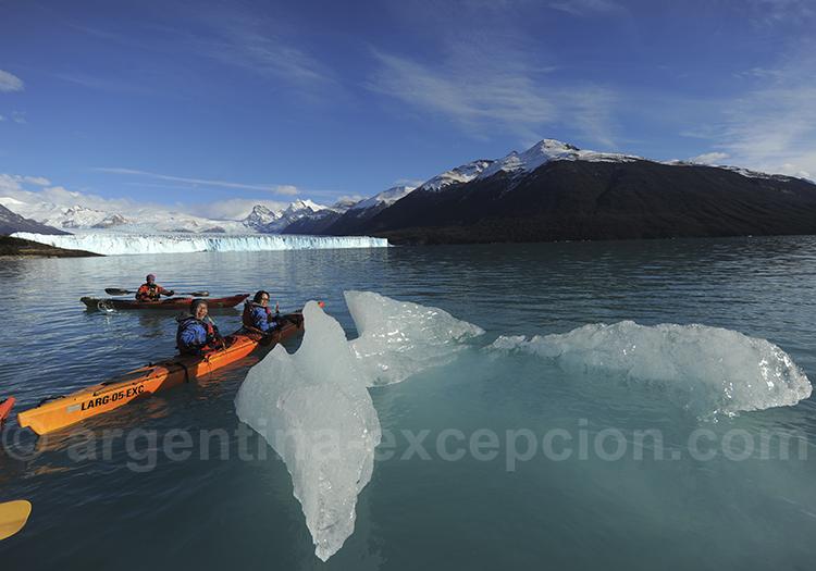 Kayak entre les glaces du Perito Moreno